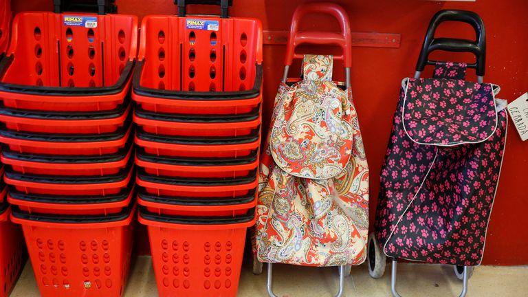 A un año del adiós al uso de las bolsas de plástico