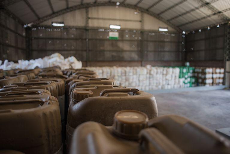 Almacenamiento del sistema de recupero y gestión de envases vacíos de fitosanitarios de CampoLimpio.