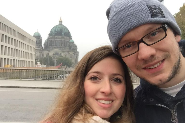 Jimena y su marido no pudieron casarse en el país, como tenían planeado