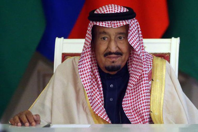 El rey Salmán continúa siendo el monarca absoluto de Arabia Saudita, pero gran parte del poder se concentra en MBS