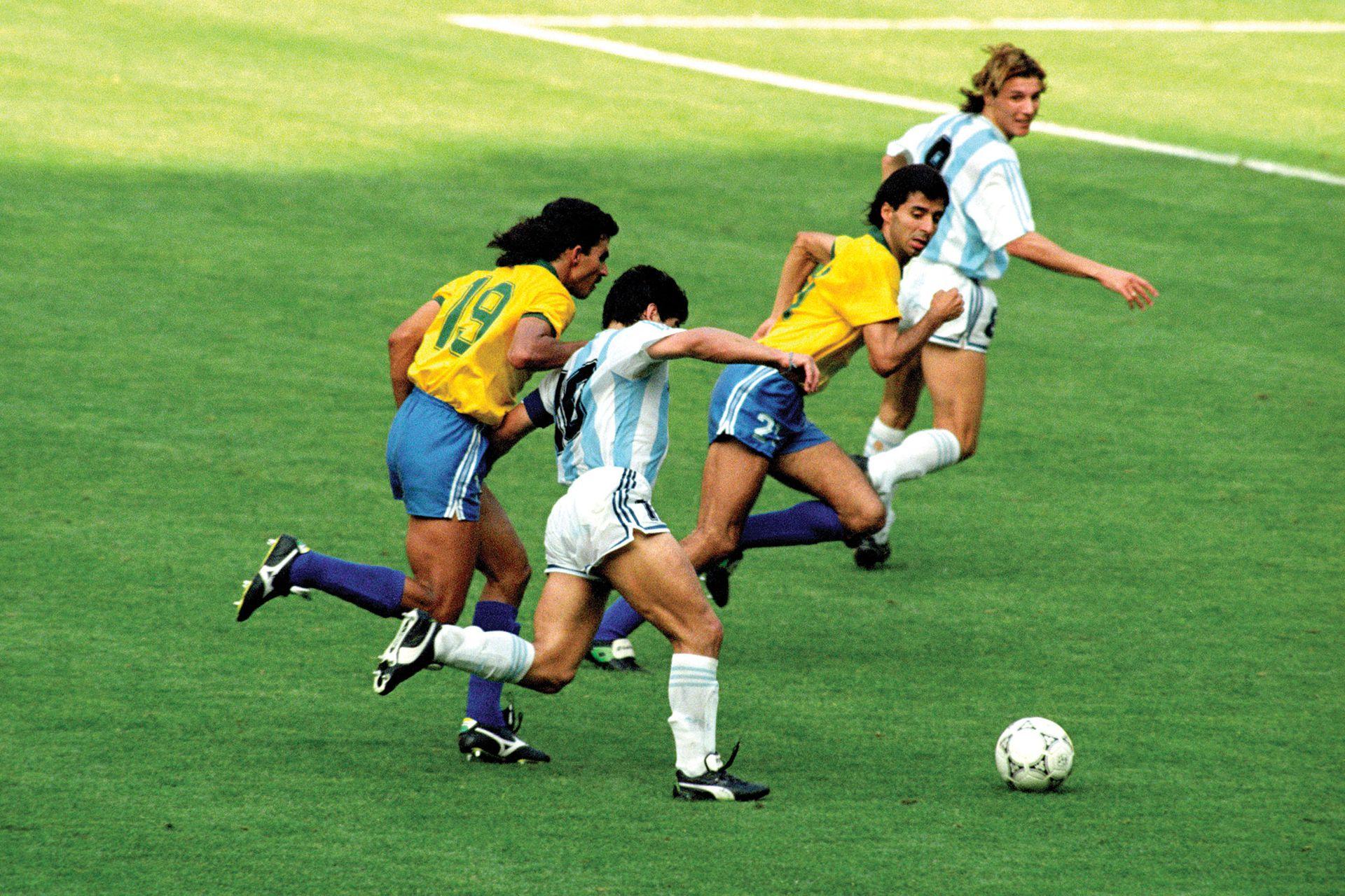 Caniggia y Maradona, dupla insuperable.