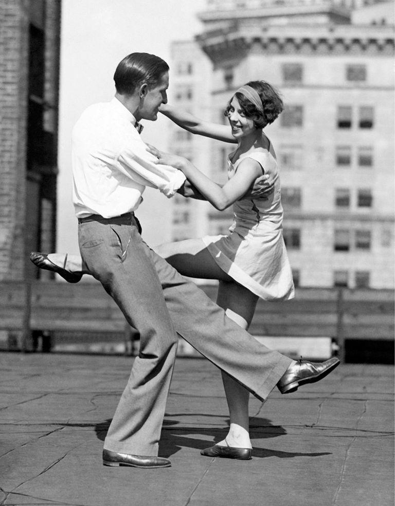 Bailes frenéticos al ritmo del jazz. Los años 20 celebraron la vida