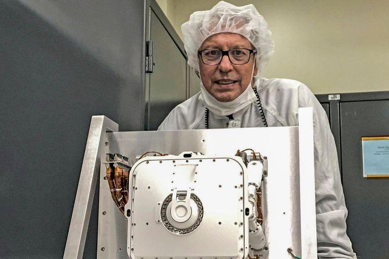 Raúl Romero es ingeniero, es rosarino y controlará el instrumental científico de la misión Mars 2020