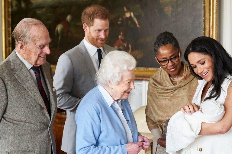 El 8 de mayo de 2019, Archie conoció a sus abuelos y fue presentado ante el mundo