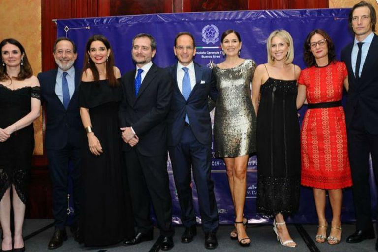 Guillermo Francella, Verónica Varano, Andrea Frigerio, Carla Peterson e Iván de Pineda participaron del evento