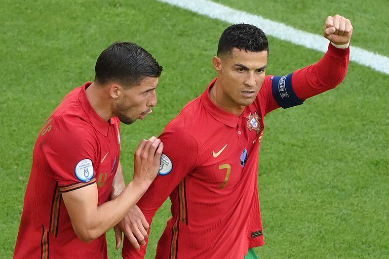 El delantero portugués Cristiano Ronaldo celebra su primer gol durante el partido de fútbol del Grupo F de la UEFA EURO 2020 entre Portugal y Alemania
