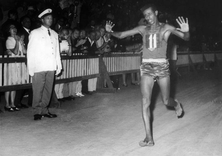 Abebe Bikila. El campeón descalzo que sorprendió en 1960 y el que lo dejó ganar