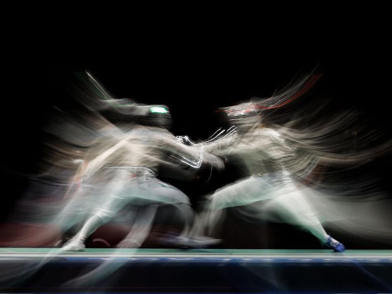 """Espectros en esgrima y """"medusas"""" en la pileta: las mejores fotos del día 3 de los Juegos"""