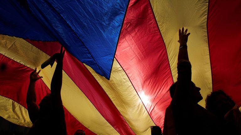 Cataluña declaró hoy su independencia