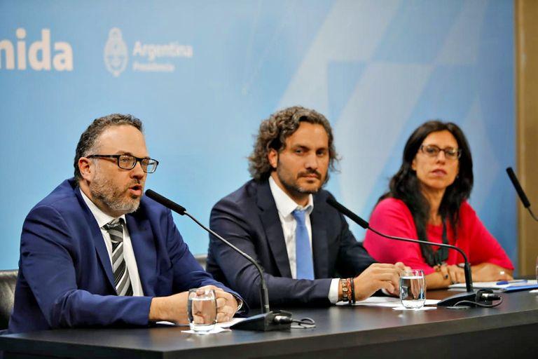 El ministro Matías Kulfas, el jefe de Gabinete Juan Pablo Cafiero y la secretaria de Comercio Paula Español, en la presentación de la nueva canasta de Precios Cuidados