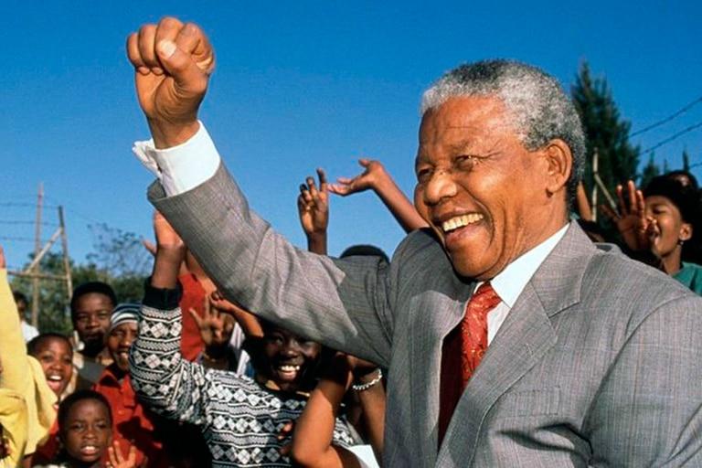 Las categorías raciales del apartheid que aún se usan oficialmente en Sudáfrica
