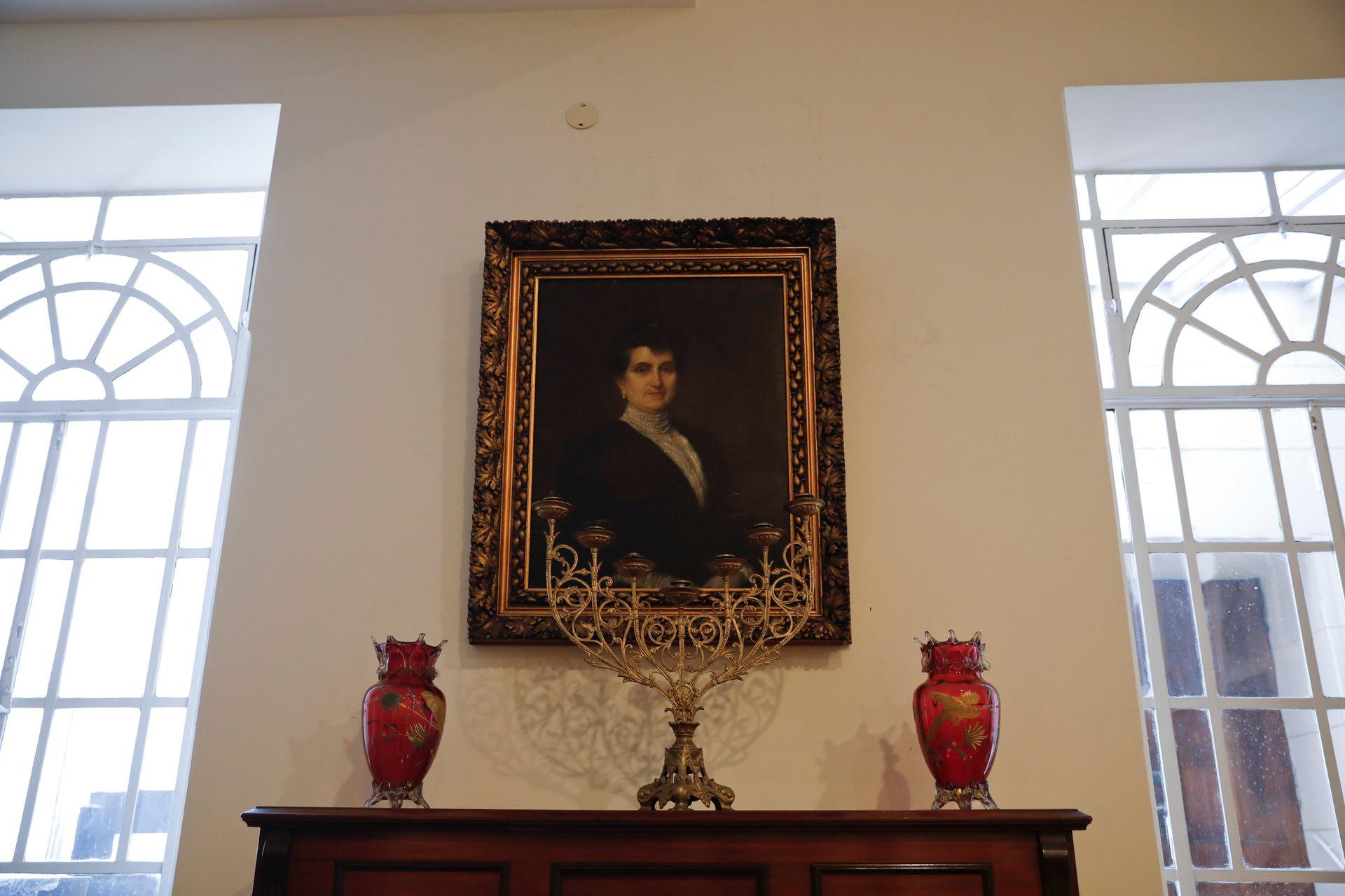 El único retrato de Mercedes castellanos de Anchorena que se encuentra dentro de la Basílica