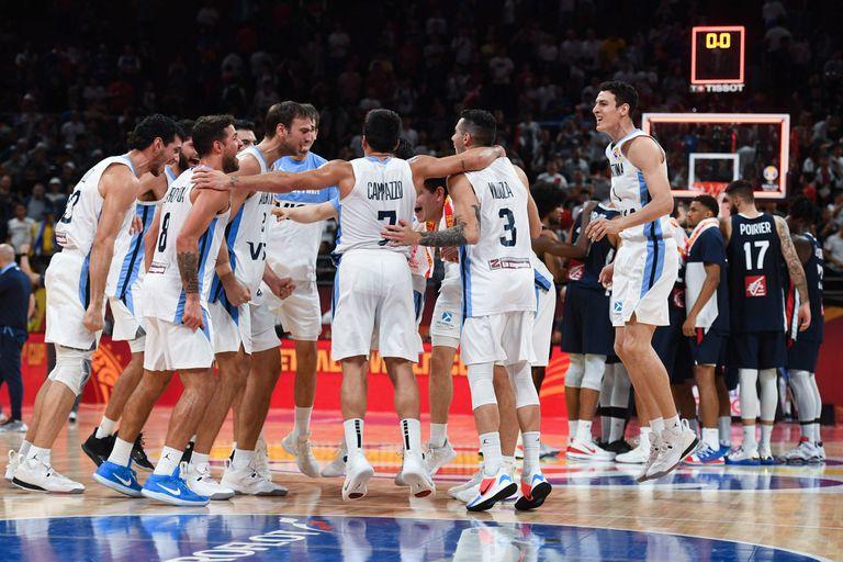 La Argentina festeja el pase a la final en el Mundial China 2019; una estela dejada por la Generación Dorada.