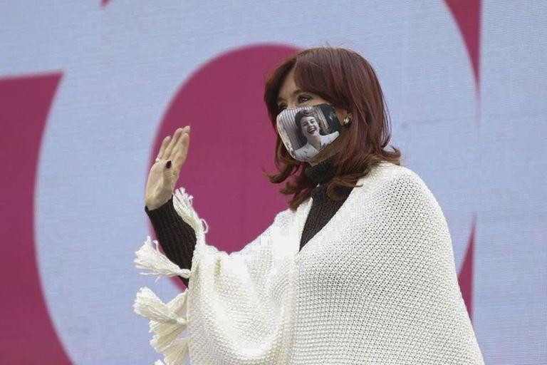 Cristina Fernández de Kirchner, preocupada por el devenir de la campaña desde el estallido del Olivosgate