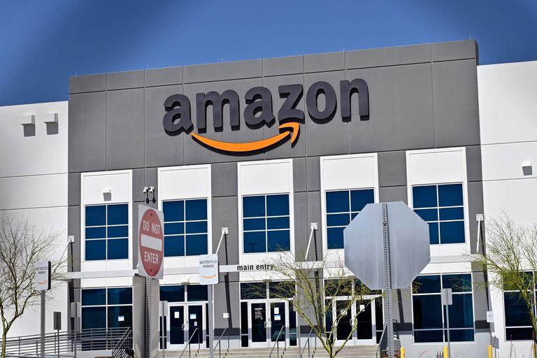 La visión de Jeff Bezos de un mundo de compras en línea se está haciendo realidad, ahora más que nunca