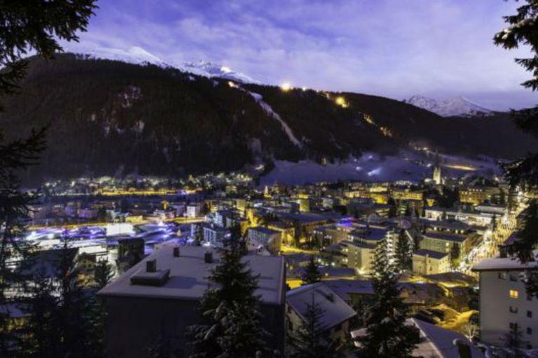 La época invernal es la de mayor actividad en Davos, Suiza