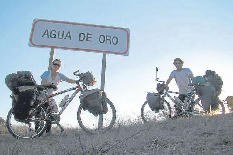 Casi un año pasaron Regina Rabellino y Marcos Canal recorriendo la Argentina, partes de Chile y Uruguay, en su luna de miel, difundiendo el cuidado del medio ambiente