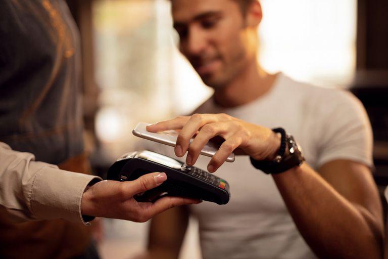 Billetes y contagio: el turno de las billeteras electrónicas