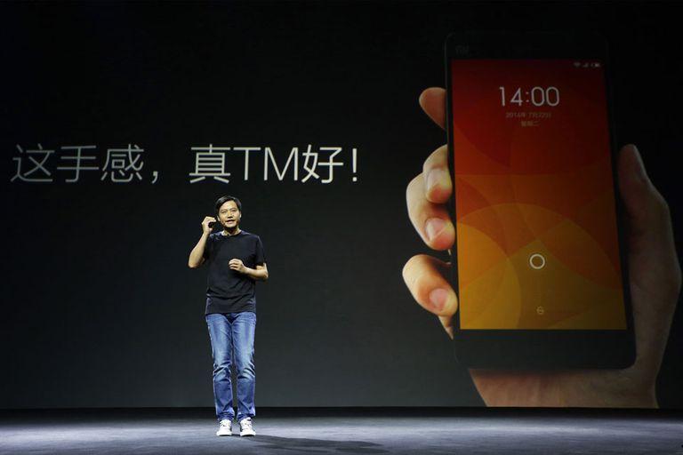 Lei Jun, fundador y CEO de Xiaomi, durante la presentación del teléfono Mi 4 y la pulsera MiBand