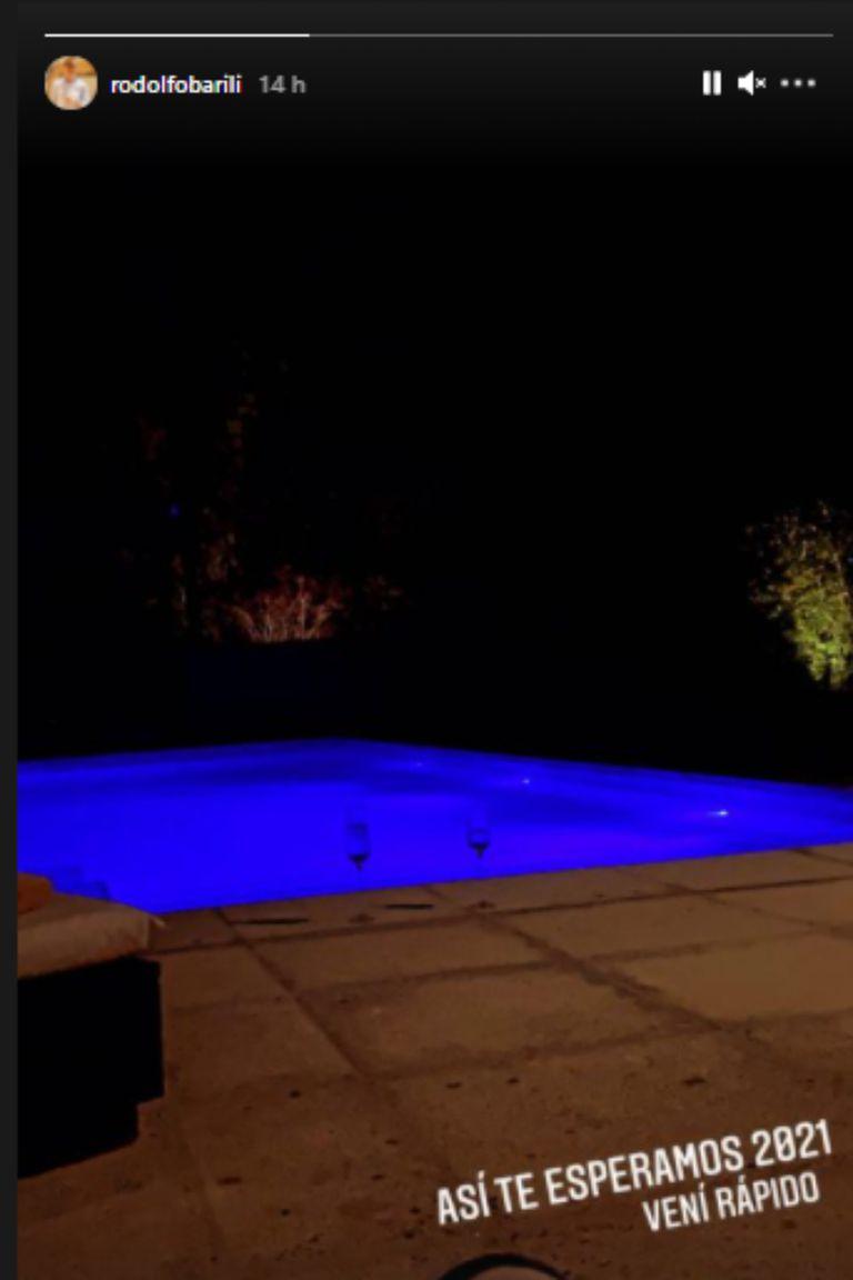 Rodolfo Barili compartió una foto de su pileta iluminada por luces de neón y contó que está listo para recibir el 2021