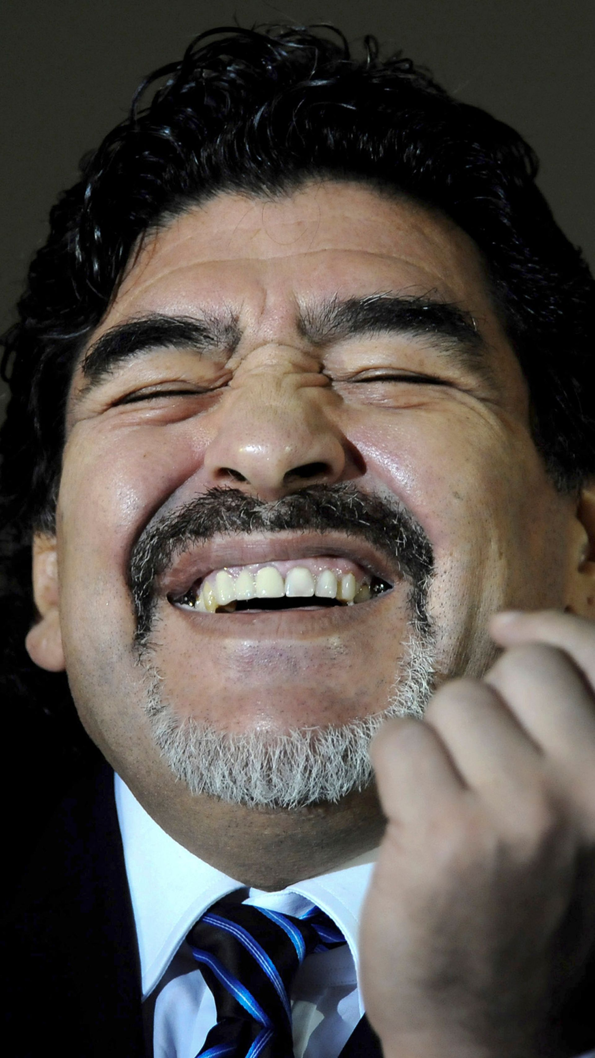 Un Maradona feliz, uno de sus tantos gestos
