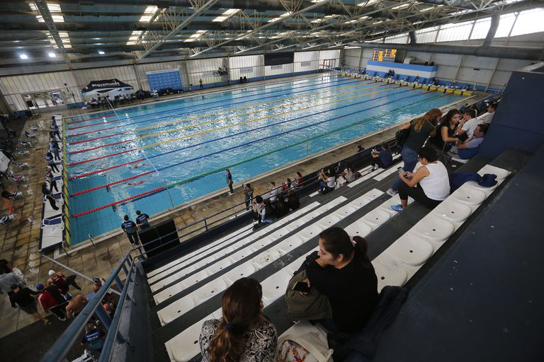 La piscina del Cenard, organismo que tiene un hotel que está disponible como centro de reserva hospitalario; los nadadores son los deportistas que más perjudicados se sienten por la cuarentena argentina.