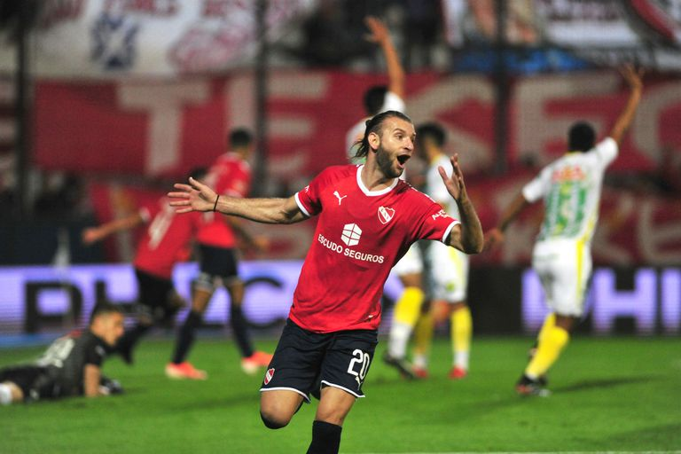 El festejo de Gastón Silva, autor del 1-0