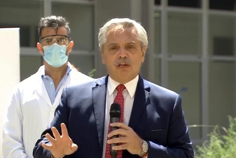 El presidente Alberto Fernández y Axel Kicillof monitorean el operativo de vacunación