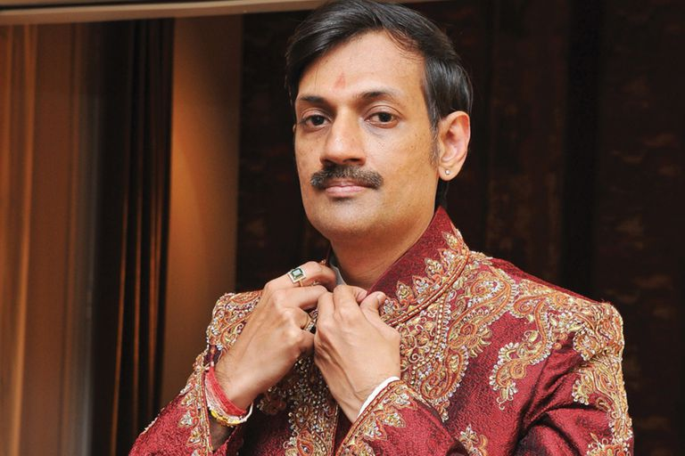 India: el príncipe gay que abrió su palacio para asistir a la comunidad LGBT