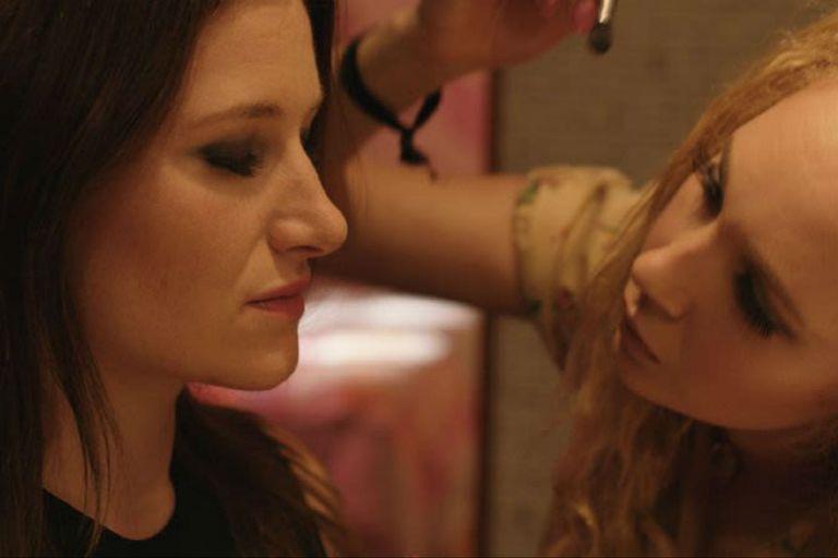 Kathryn Hahn y Juno Temple forman una excelente dupla en el film de Jill Soloway