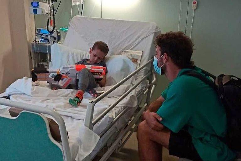 Santi Maratea y su visita a Fede cuando comenzaba su tratamiento médico en Barcelona (Foto: Instagram/@santimaratea)
