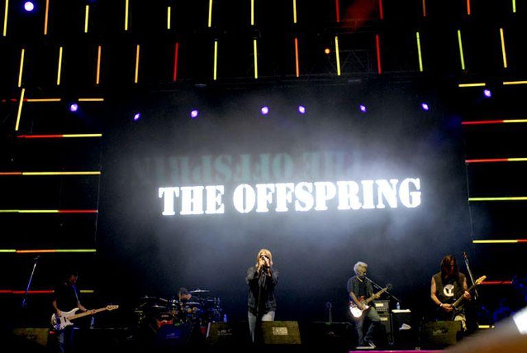 Apartan al baterista de The Offspring por no querer vacunarse contra el Covid-19