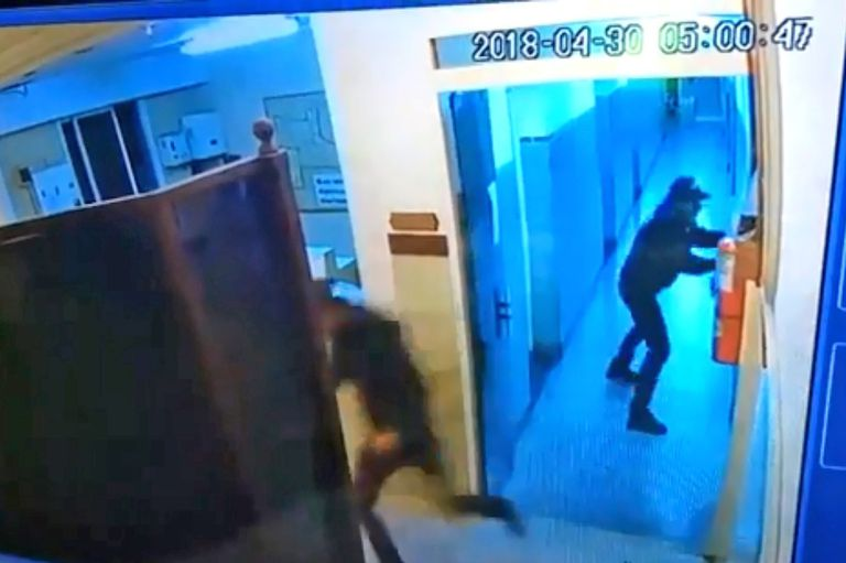 El tiroteo en San Justo, desde la cámara de seguridad