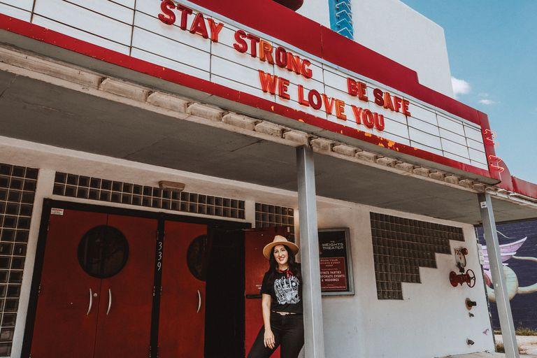 El libro Bring Music Home recopiló imágenes de teatros y clubes nocturnos cerrados por la pandemia: las ganancias de la publicación serán destinadas a ayudar al sector cultural