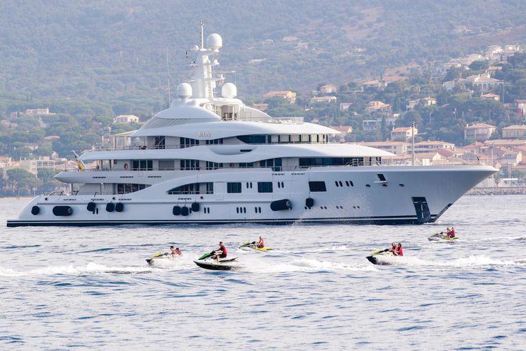 Panorámica del Valerie, el crucero del amor en el que JLo y Ben Affleck navegaron por la Costa Azul con los hijos de ella, los mellizos Max y Emme.