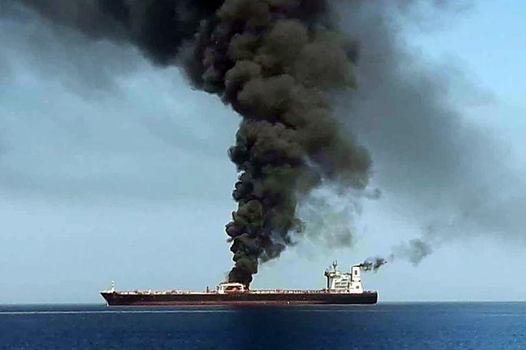 44 tripulantes debieron ser evacuados