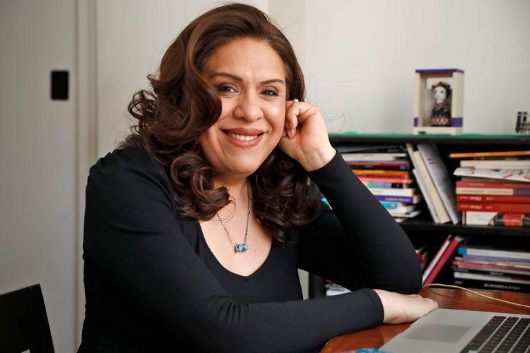 Con una vasta trayectoria en el mundo académico y del activismo, Alba Rueda es la primera subsecretaria de Políticas de Diversidad de la Nación, organismo que depende del Ministerio de las Mujeres, Géneros y Diversidad