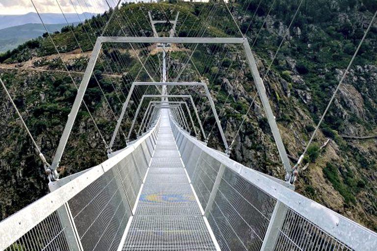 Megaobra: Portugal inaugura el puente peatonal colgante más largo del mundo