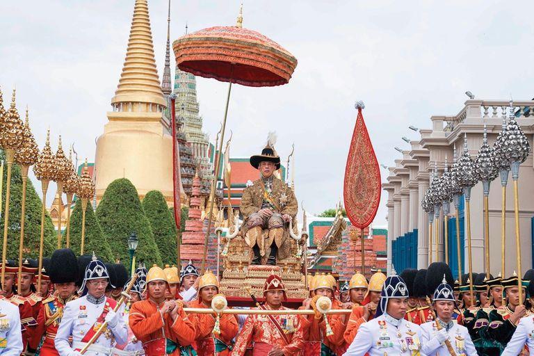 Tailandia: las vacunas suman otro escándalo a la polémica monarquía
