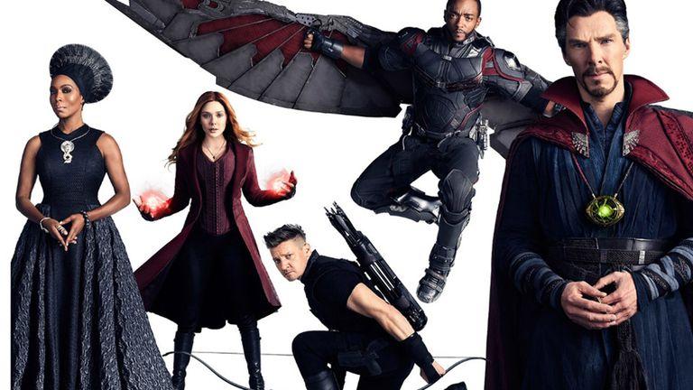 Angela Bassett (Ramonda), Elizabeth Olsen (Bruja escarlata), Jeremy Renner (Ojo de halcón), Anthony Mackie (Falcon), y Benedict Cumberbatch (Doctor Strange)
