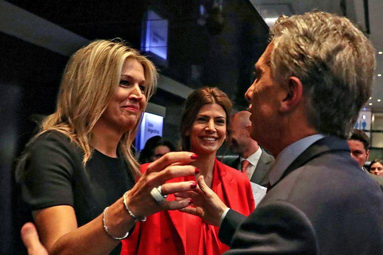 Máxima, con Macri, Juliana Awada y Vidal en el foro de inversiones en el CCK