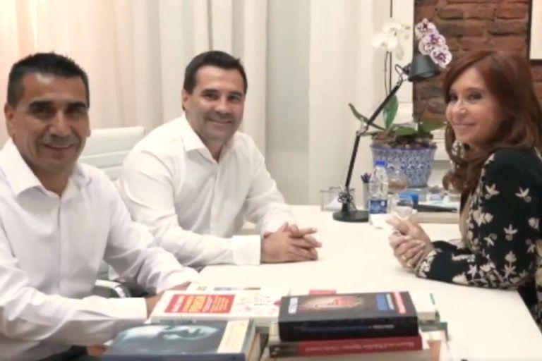 La expresidenta junto a Ramón Rioseco y Darío Martínez, candidatos a gobernador y vicegobernador de Neuquén por Unidad Ciudadana