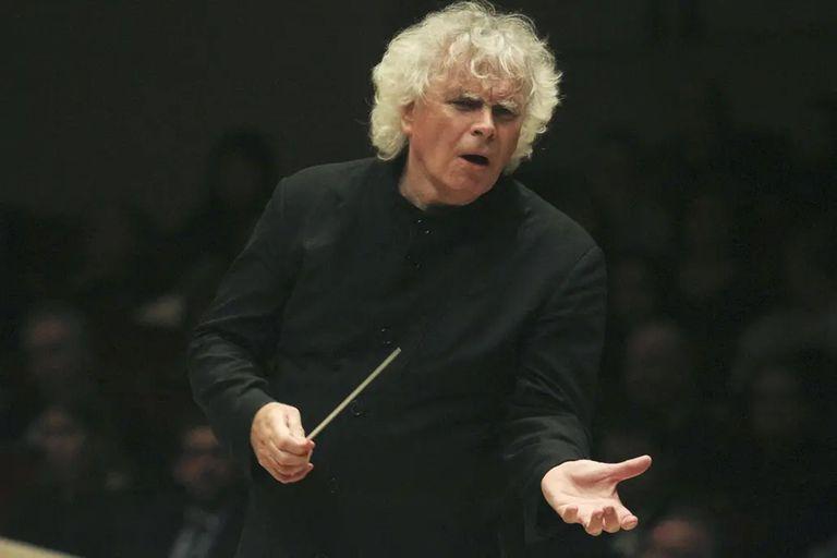 Simon Rattle vendrá en mayo, al frente de la London Symphony Orchestra