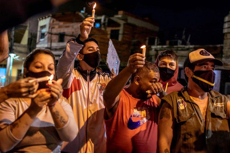Masiva marcha para pedir justicia por el albañil baleado frente a un hospital