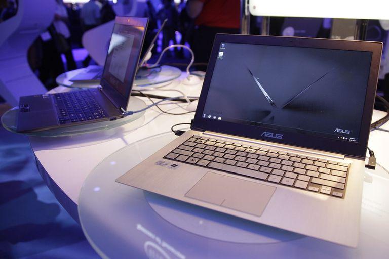 Ultrabooks en la feria CES 2012 de Las Vegas. El segmento busca posicionarse como una alternativa de productividad ante el avance de las tabletas
