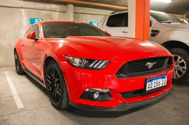 Un Mustang rojo y US$ 2.000.000 sacaron del juego a una red de logística narco