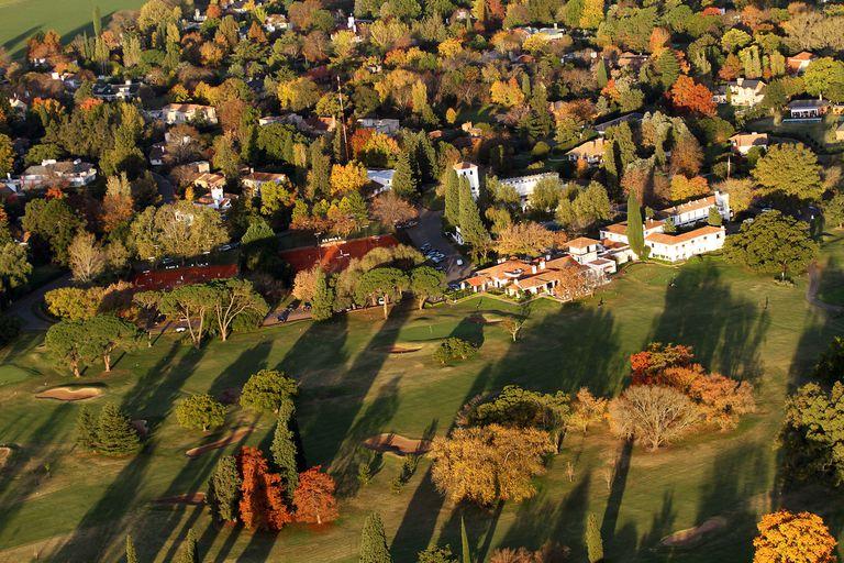 Casas, arboledas, mucho verde y aire puro