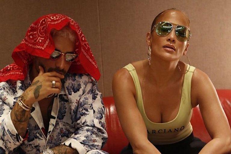 """Los cantantes se mostraron muy cercanos en el videoclip de sus canciones """"Pa ti"""" y """"Lonely"""""""