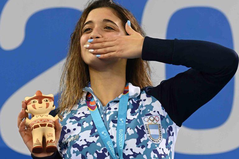 Delfina Pignatiello lleva los colores argentinos en el alma...y en las uñas