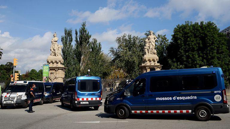 Fuerte custodia policial alrededor de todo el Parlamento